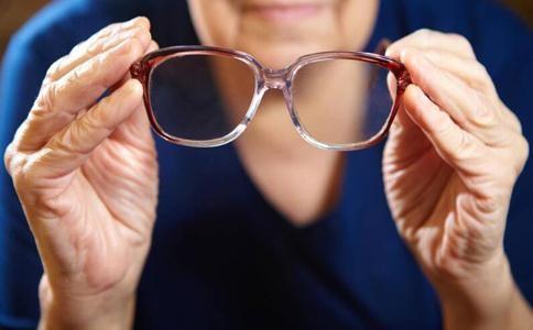 白内障术后视力下降是白内障复发吗?