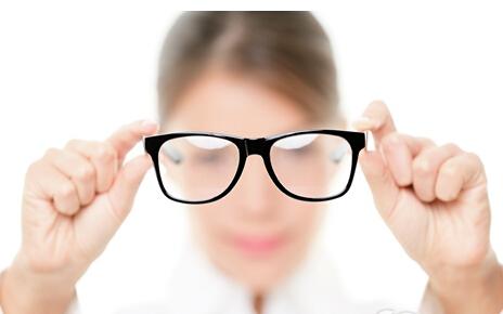 1000度近视能做手术吗